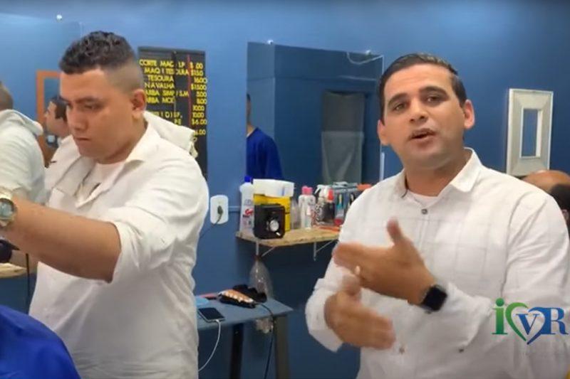 Pastor Marcos ajuda jovens no IVR a se profissionalizar